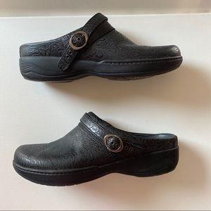 Dansko Black Tooled Clog Size 40